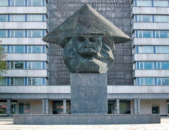 Hochwertige Fototapete Karl Marx Motiv mit Feinprägung, handsigniert